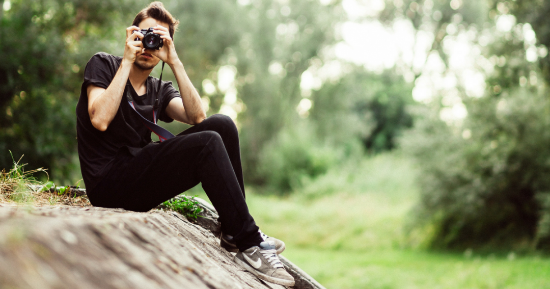 9 photographing vloggers to help you learn more about photography